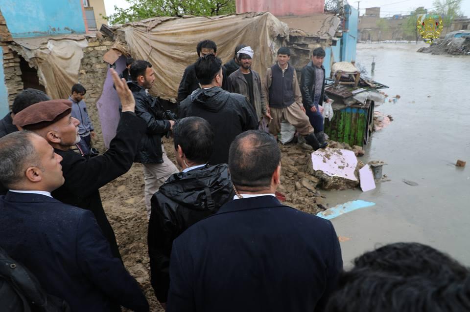 تصاویر بازدید رییس جمهور سیلاب کابل 21 - تصاویر/ بازدید رییس جمهور از محلات آسیب دیده سیلاب ها در کابل