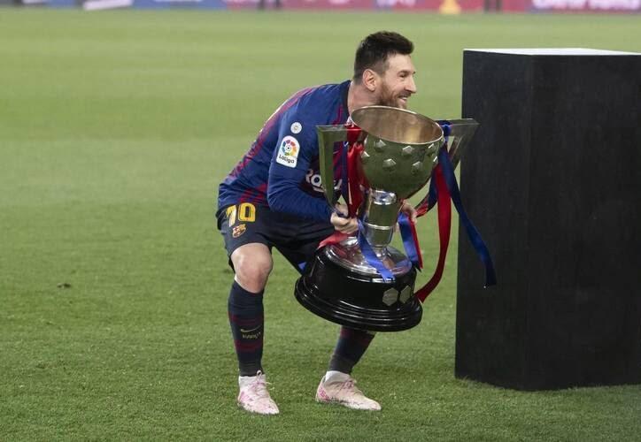 جشن قهرمانی بارسلونا 10 - تصاویر/ جشن قهرمانی بارسلونا