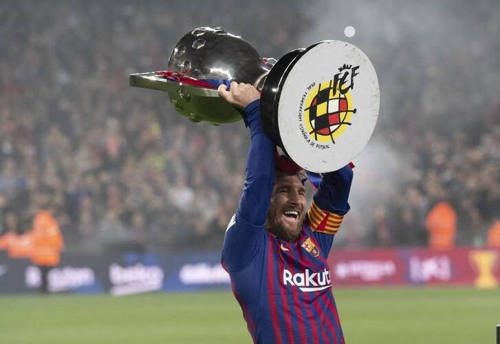 جشن قهرمانی بارسلونا 11 - تصاویر/ جشن قهرمانی بارسلونا