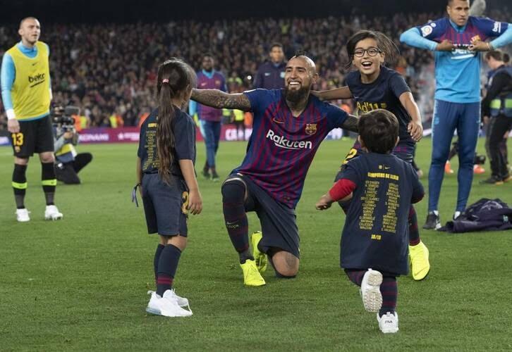 جشن قهرمانی بارسلونا 7 - تصاویر/ جشن قهرمانی بارسلونا