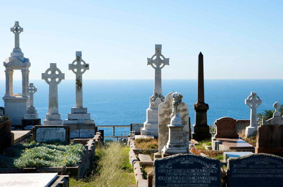 سنگ قبر 10 - تصاویر/ سنگ قبرهای عجیب در جهان