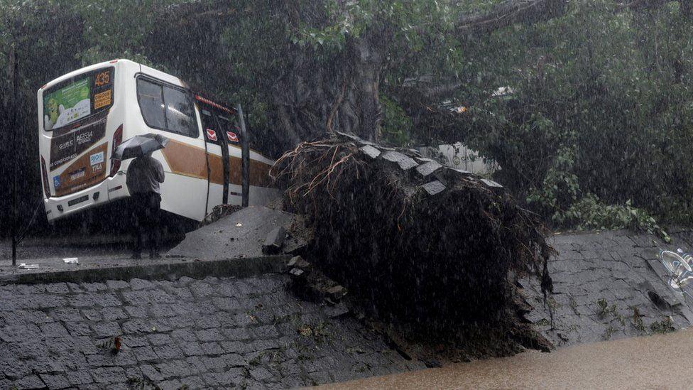 سیلاب برازیل 1 - تصاویر/ سیلاب مرگبار در برازیل