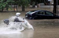 سیلاب برازیل 2 226x145 - تصاویر/ سیلاب مرگبار در برازیل