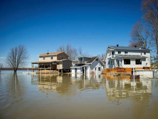 سیلاب در کانادا 2 - تصاویر/ جاری شدن سیلاب در کانادا