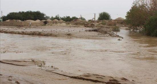 سیلاب 1 550x295 - خسارت های هنگفت سیلاب ها برای باشنده گان غور