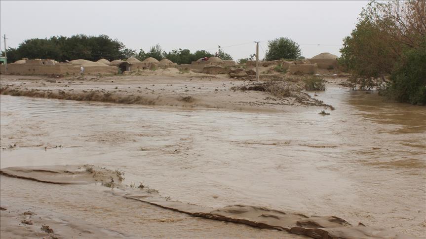 سیلاب 1 - غافلگیری مردم هرات با جاری شدن سیلاب های ناگهانی