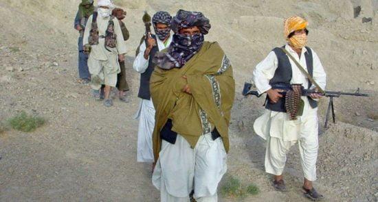 طالبان 550x295 - قرارگاه طالبان در پروان به آتش کشیده شد
