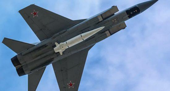 طیاره روسیه 550x295 - انهدام یک پایگاه آموزش تروریستها در مرکز سوریه