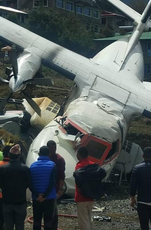 طیاره 4 - تصاویر/ برخورد مرگبار یک طیاره با چرخبال