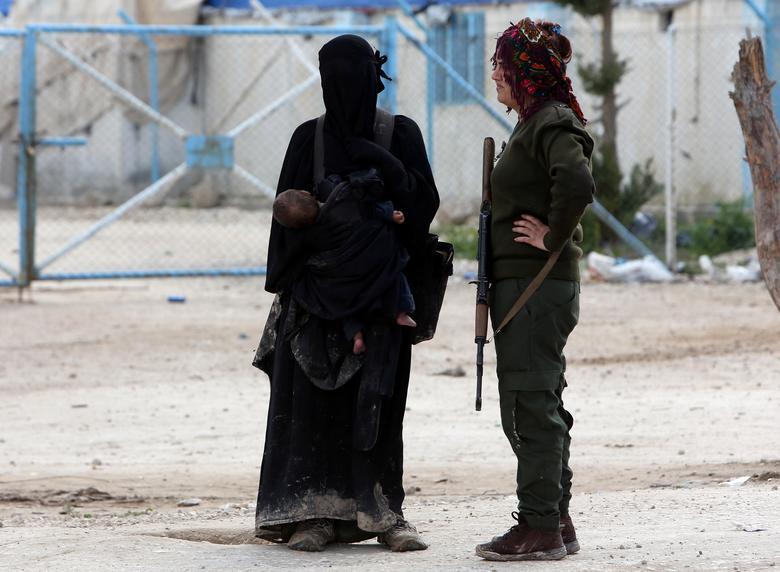 عروس داعشی 7 - تصاویر/ سرنوشت شوم عروس های داعشی