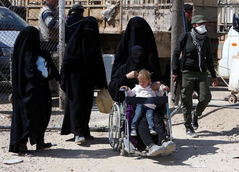 عروس داعشی 9 - تصاویر/ سرنوشت شوم عروس های داعشی