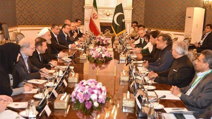 عمران خان - اعلام آماده گی پاکستان و ایران برای کمک به افغانستان