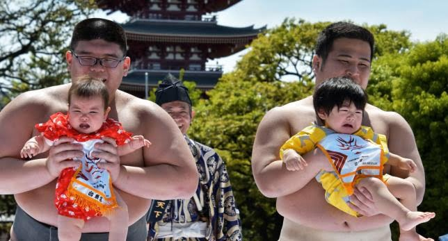 مسابقه اطفال جاپان 2 - تصاویر/ مسابقه عجیب اطفال در جاپان