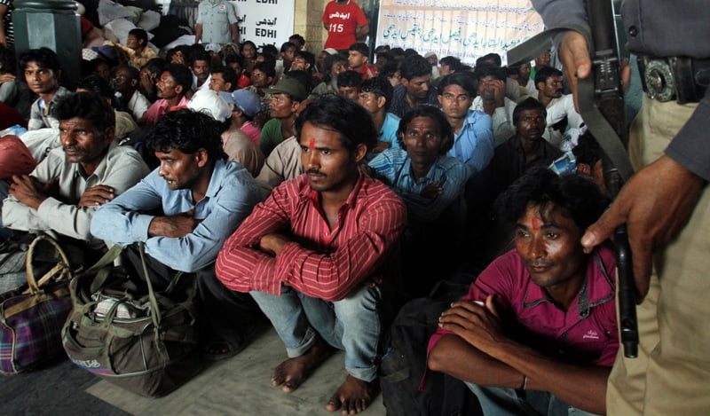 هند زندانی - پاکستان صدها زندانی هندی را آزاد خواهد کرد