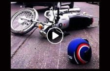 ویدیو تصادف موترسایکل سوار سرک 226x145 - ویدیو/ تصادف وحشتناک موترسایکل سوار در یک سرک