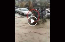 ویدیو جسد کودک جان باخته سیلاب کابل 226x145 - ویدیو/ بیرون کردن جسد یک کودک جان باخته در سیلاب های کابل