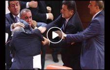 ویدیو دعوا جنجالی برنامه تلویزیونی 226x145 - ویدیو/ دعوای جنجالی در برنامه زنده تلویزیونی
