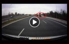ویدیو فرار لاری تصادف مرگبار 226x145 - ویدیو/ فرار سرنشینان یک لاری از حادثه تصادف مرگبار