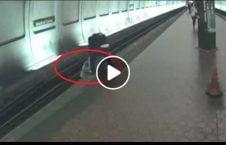 ویدیو نجات مرد نابینا برخورد قطار 226x145 - ویدیو/ نجات مرد نابینا از برخورد با قطار