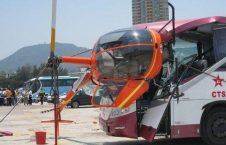 چرخبال 3 226x145 - تصاویر/ برخورد وحشتناک چرخبال با یک بس در هانگ کانگ