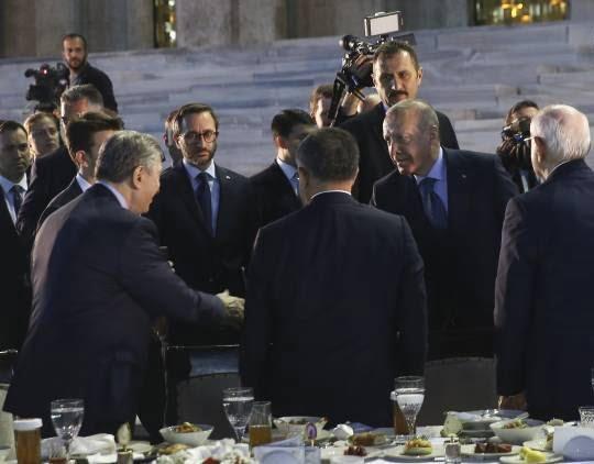 اردوغان1 - تصاویر/ مراسم افطاری تشریفاتی مقامات در ترکیه