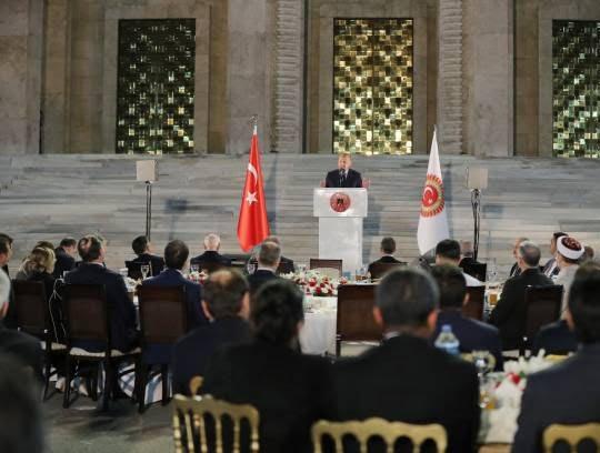 اردوغان5 - تصاویر/ مراسم افطاری تشریفاتی مقامات در ترکیه