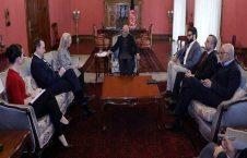 اشرف غنی الیس ویلز 226x145 - بحث رییس جمهور و معاون وزارت امور خارجۀ امریکا در پیوند به نامه ارسالی به ترمپ