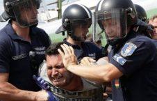 افغان 226x145 - افزایش نگرانی ها از بد رفتاری مجارستان با پناهجویان افغان