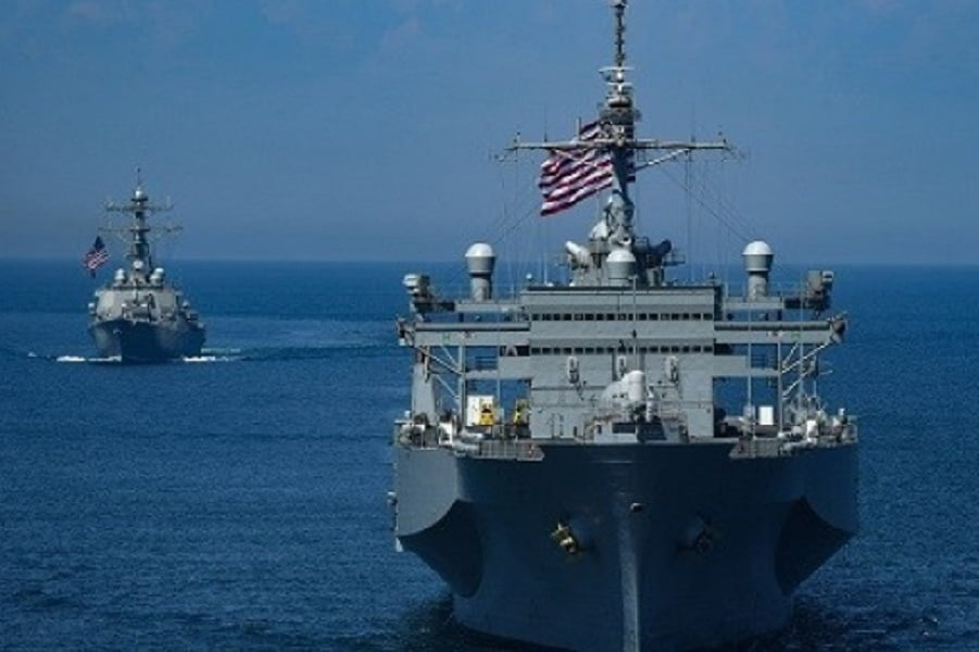 امریکا ناو - واکنش پکن نسبت به تحرکات امریکا در بحر چین جنوبی
