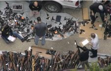 انباراسلحه3 226x145 - تصاویر/ انبار کلان اسلحه در امریکا کشف شد