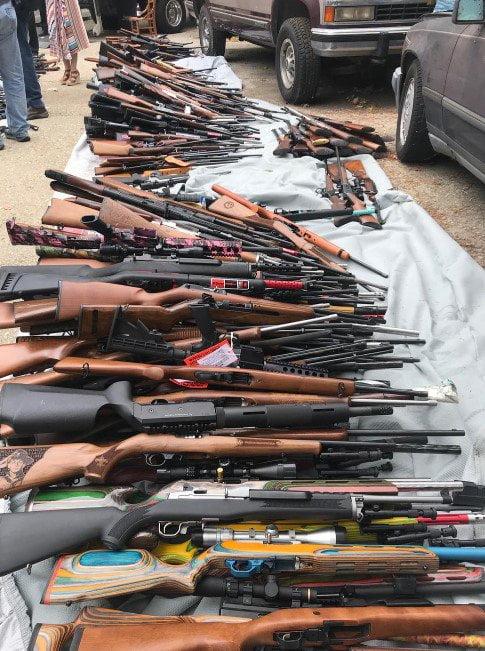 انباراسلحه4 - تصاویر/ انبار کلان اسلحه در امریکا کشف شد