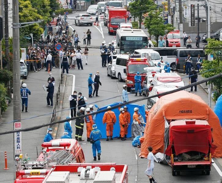 جاپان چاقو 1 1 - تصاویر/ حمله ای خونین به جمعی از کودکان در جاپان