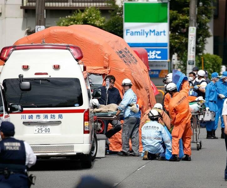 جاپان چاقو 2 1 - تصاویر/ حمله ای خونین به جمعی از کودکان در جاپان