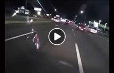 سرنگونی موترسایکل سبقت پولیس 226x145 - ویدیو/ سرنگونی موترسایکل سوار پس از سبقت گرفتن از پولیس