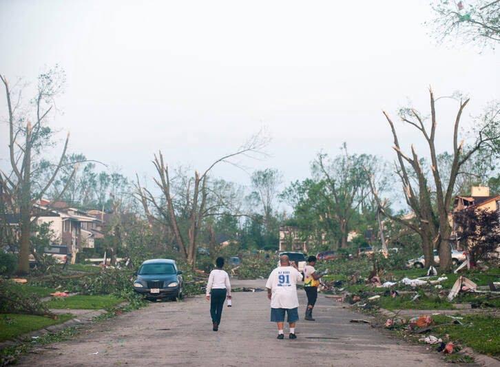 طوفان اوهایو امریکا 12 - تصاویر/ اوهایو امریکا غرق در تاریکی شد