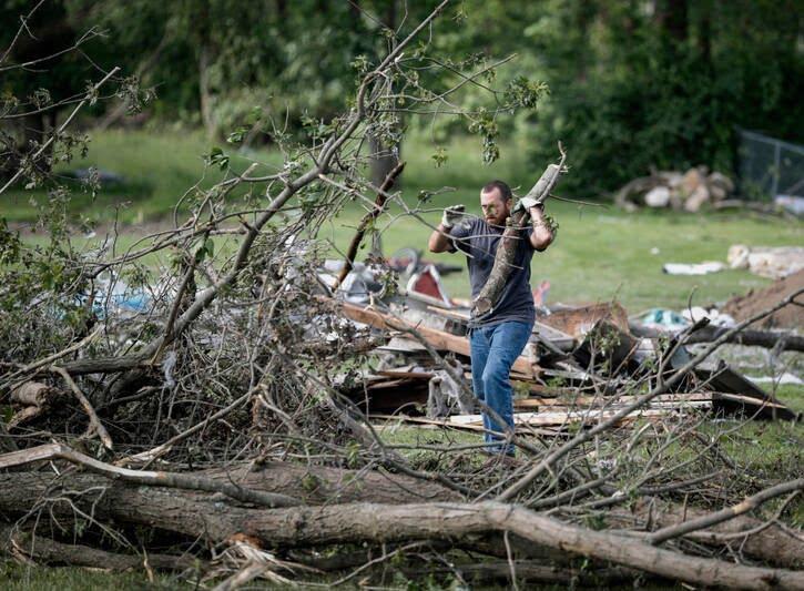 طوفان اوهایو امریکا 7 - تصاویر/ اوهایو امریکا غرق در تاریکی شد