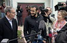 عمر خضر1 226x145 - جوانی که از جنگ افغانستان در کانادا ملیونر شد! + عکس