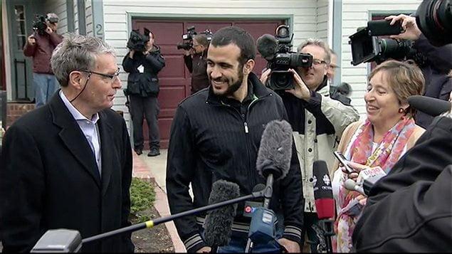 عمر خضر1 - جوانی که از جنگ افغانستان در کانادا ملیونر شد! + عکس