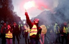 فرانسه تظاهرات 226x145 - اعتراض باشنده گان پاریس به سیاستهای دولت فرانسه