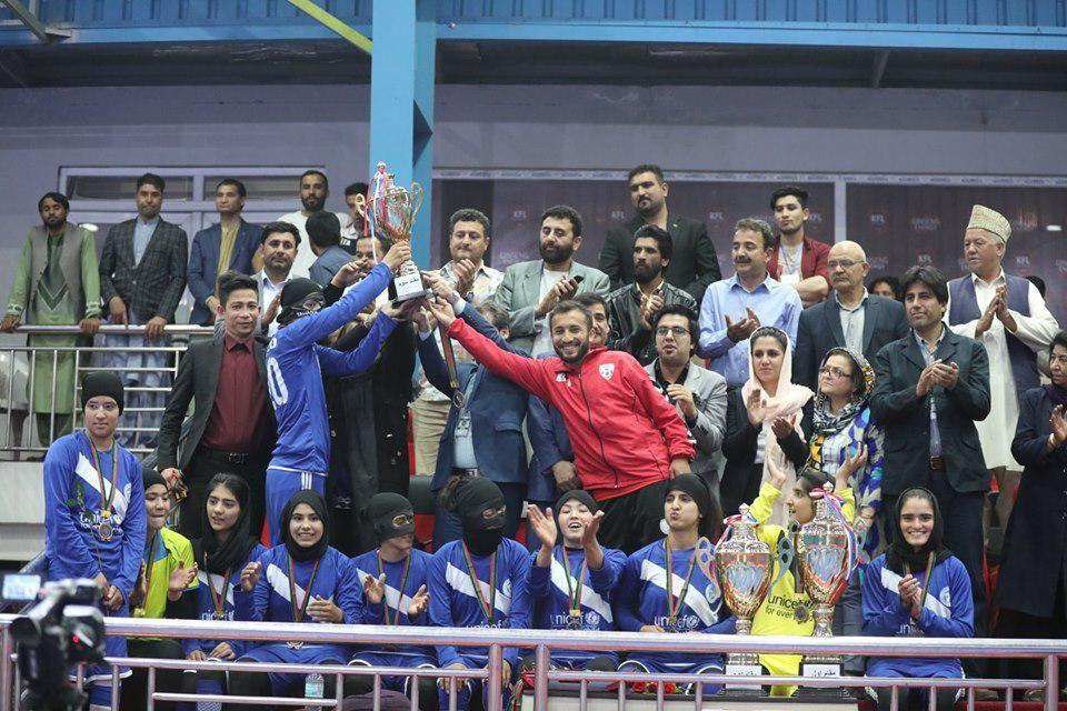 فوتسال بانوان 2 - تیم استقلال قهرمان لیگ برتر فوتسال بانوان کابل