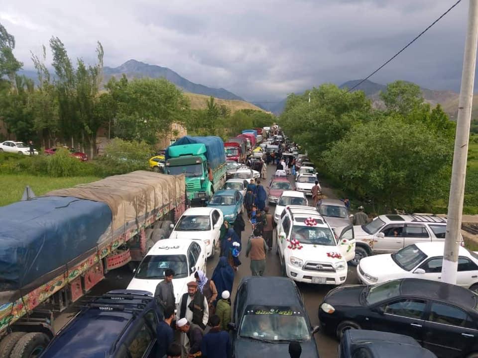 معترضان بغلانی 4 - تصاویر/ معترضان بغلانی در شاهراه کابل – شمال