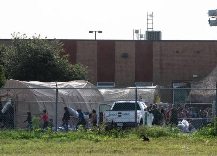 مهاجران6 - تصاویری از مصیبت های مهاجران در سرحدات امریکا