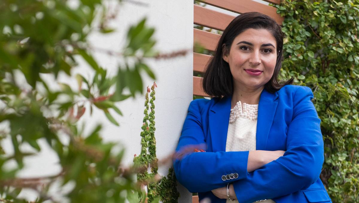 مینا ذکی 3 - اشتراک یک زن مهاجر افغان در انتخابات دولت فدرال آسترالیا