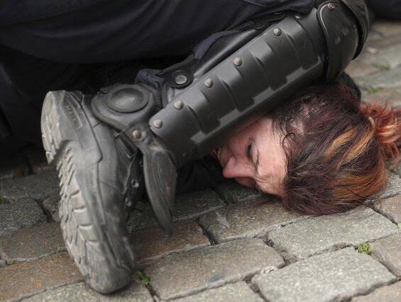 واسکت زردها 3 - تصاویر/ اعتراض واسکت زردها به دیکتاتوری اروپایی ضد مردمی