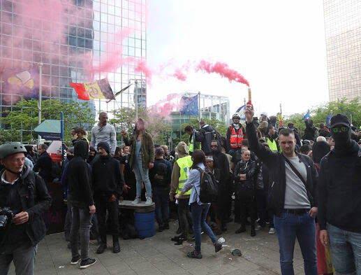 واسکت زردها 5 - تصاویر/ اعتراض واسکت زردها به دیکتاتوری اروپایی ضد مردمی