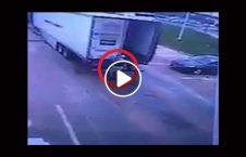 ویدیو صحنه دردناک درب موتر دریور 226x145 - ویدیو/ صحنه دردناک از برخورد درب موتر با سر دریور