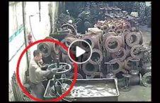 ویدیو مرگ دلخراش کارگر انفجار 226x145 - ویدیو/ مرگ دلخراش یک کارگر بر اثر انفجار