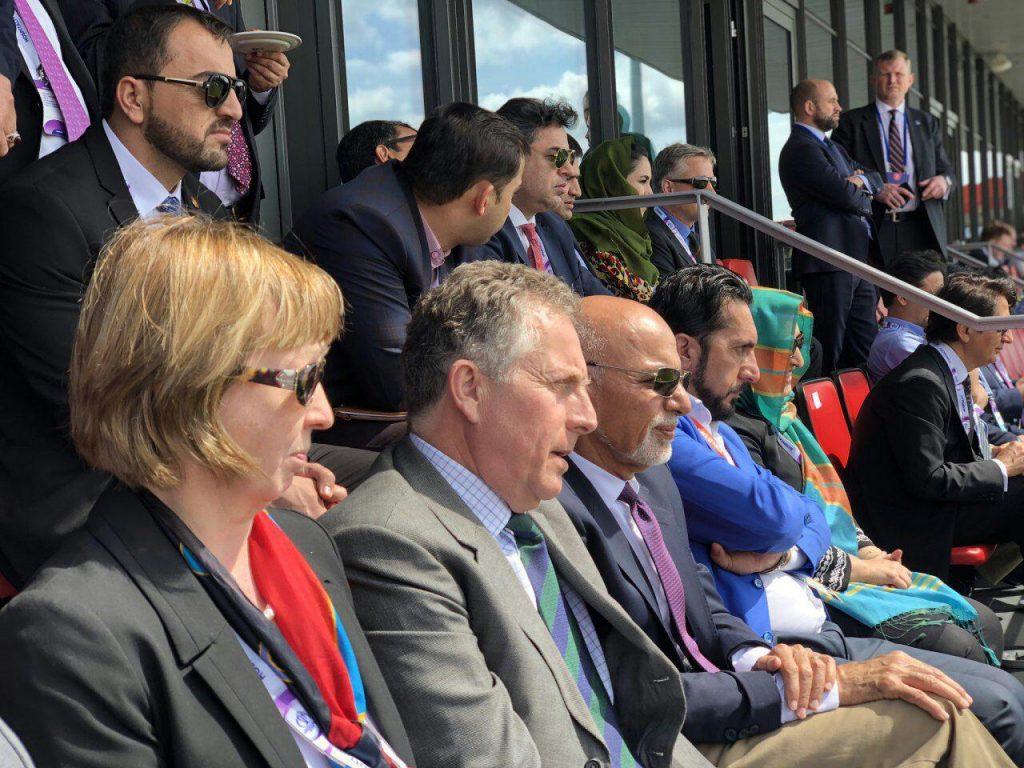 اشرف غنی کرکت 2 1024x768 - تصاویر/ دیدار رییس جمهور غنی با اعضای تیم ملی کرکت کشور در بریتانیا