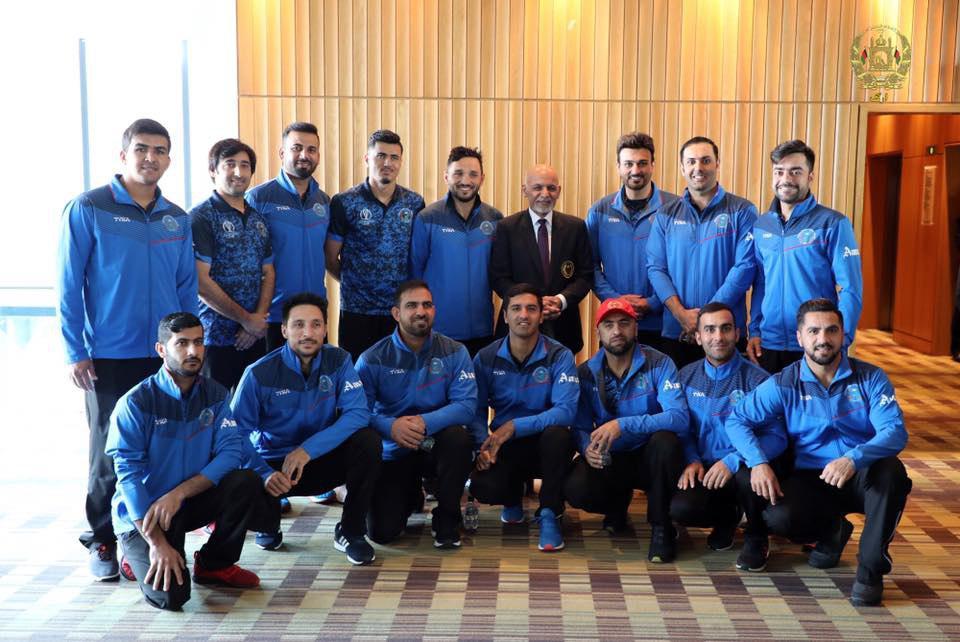 اشرف غنی کرکت1 - تصاویر/ دیدار رییس جمهور غنی با اعضای تیم ملی کرکت کشور در بریتانیا