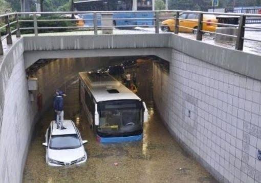 ترکیه باران 3 - خسارات ناشی از بارش شدید باران در ترکیه + تصاویر